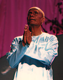 Sri Chinmoy (16485 bytes)